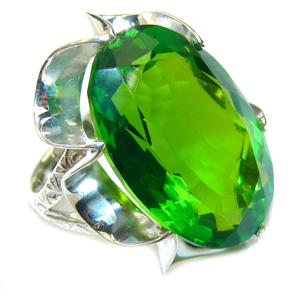 Fresh Garden! Created Green Peridot Sterling Silver Ring s. 7 1/2