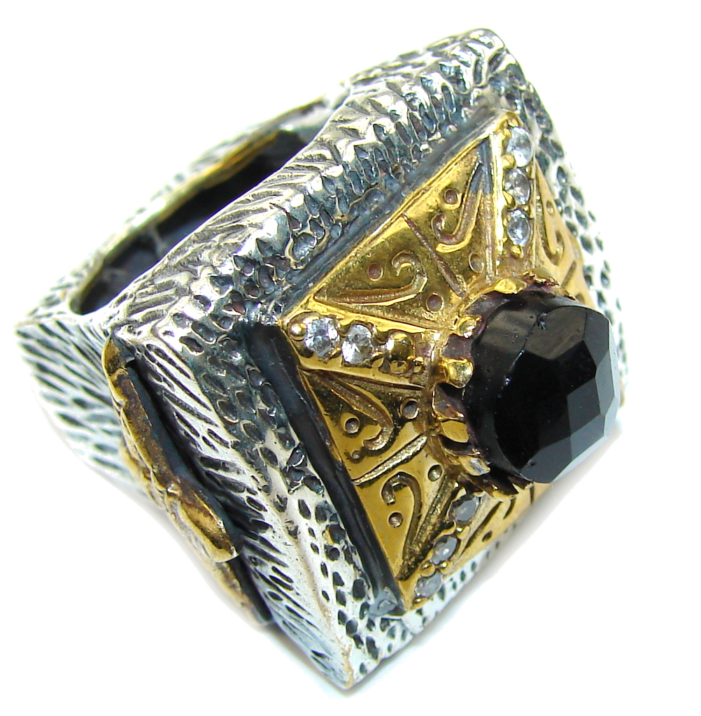 Amazing Black Onyx Two Tones Sterling Silver Ring s. 7