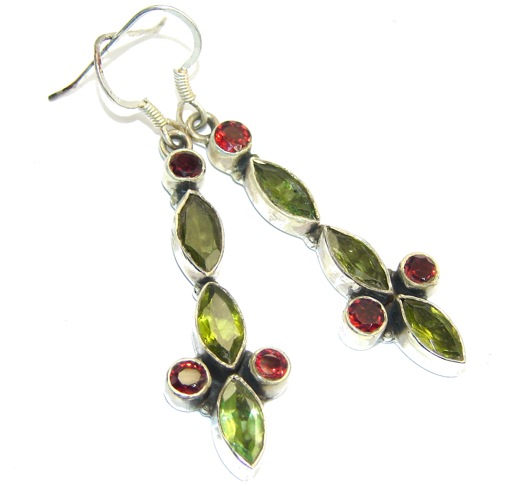Excellent faceted Peridot Sterling Silver Earrings