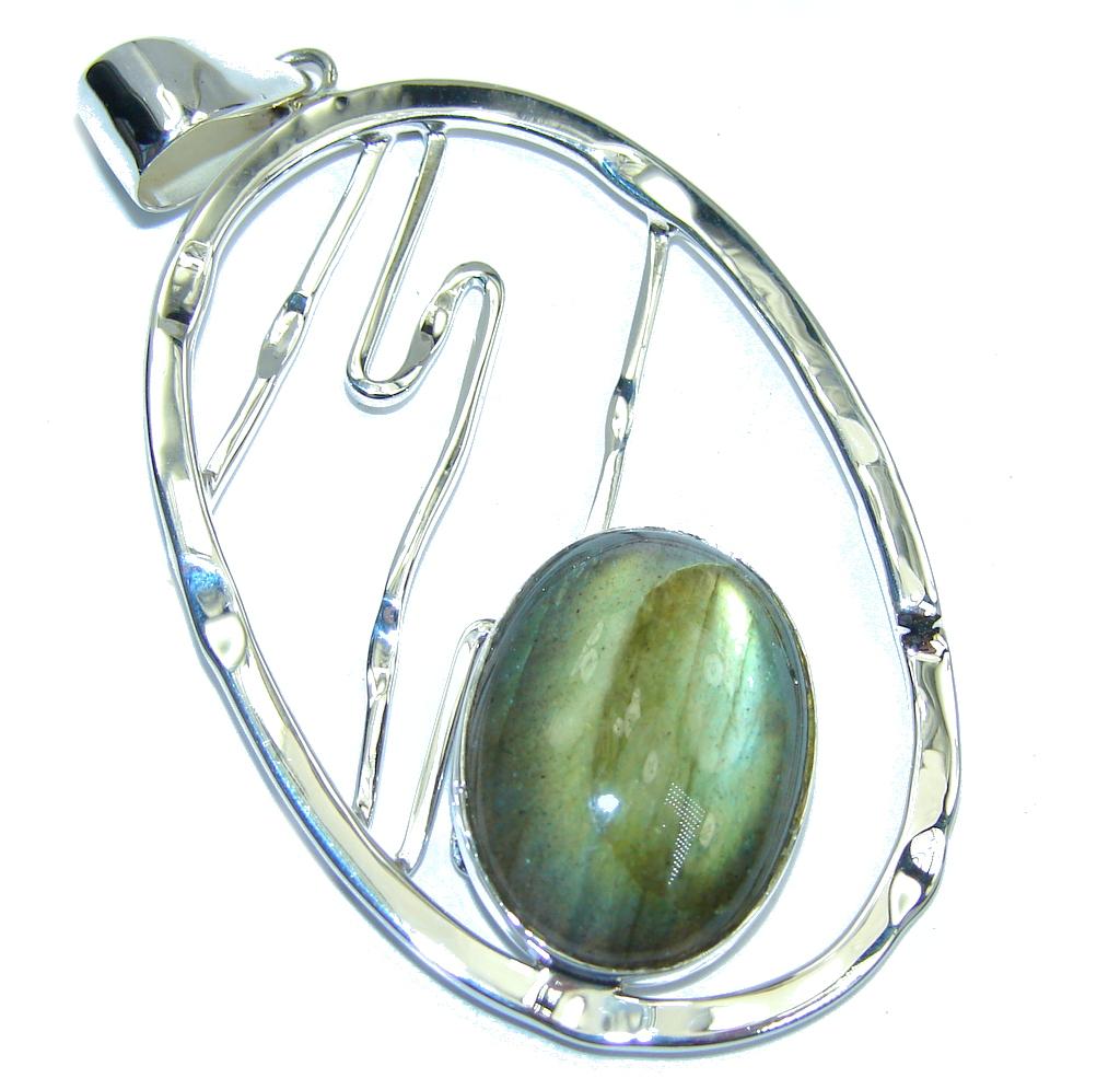 Secret Beauty AAA Labradorite Sterling Silver Pendant
