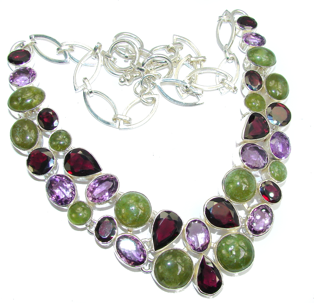 Handcrafted Green Demandroid Garnet Sterling Silver necklace