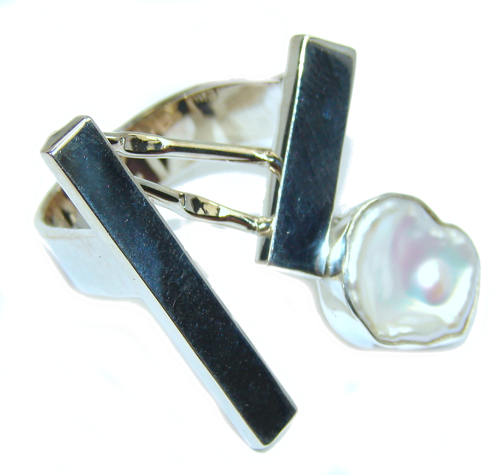 Stylish White Mother Of Pearl Sterling Silver Ring s. 7