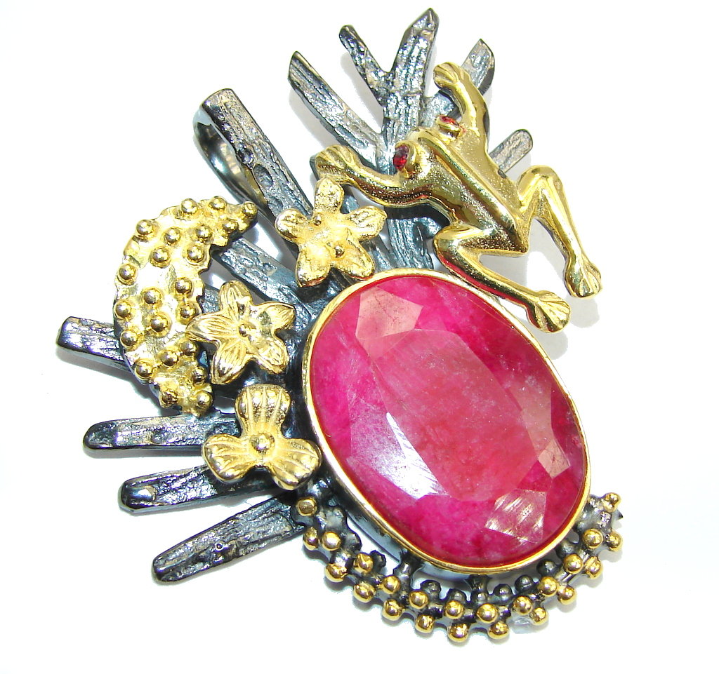 Lucky Frog faceted Ruby Gold Rhodium over Sterling Silver Pendant