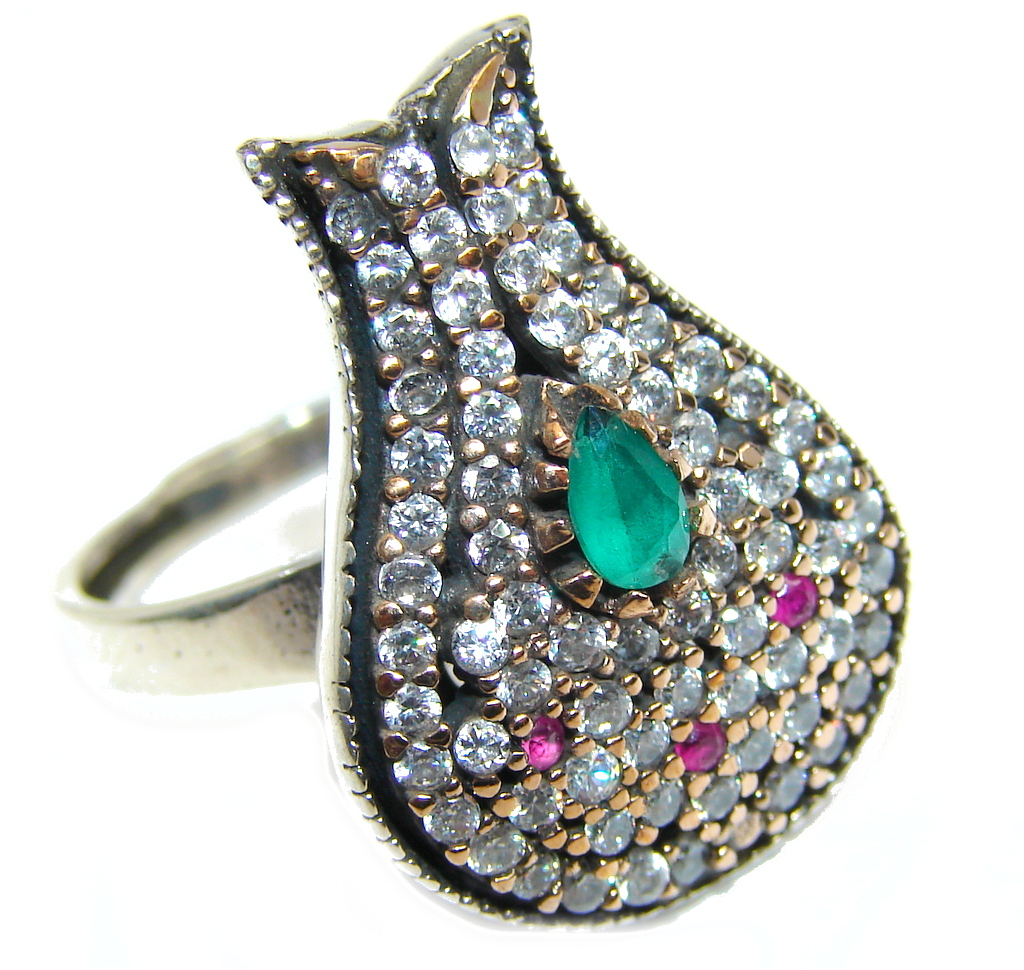 Victorian Style created Emerald & White Topaz Sterling Silver ring; s. 7 1/4