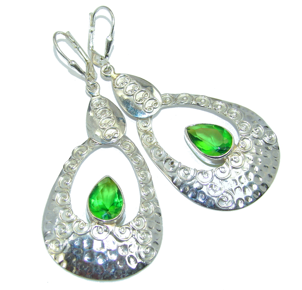 Amazing  Design Peridot Sterling Silver Earrings