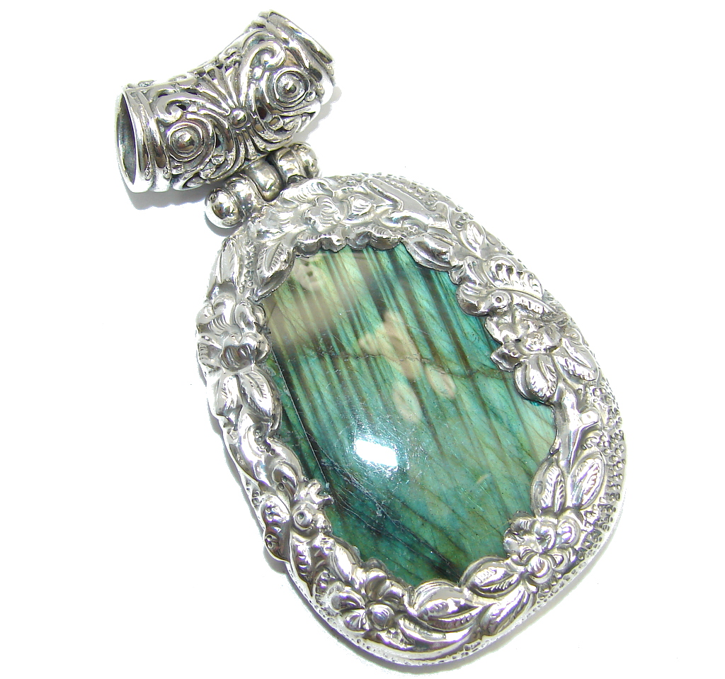 Traditional Floral Design Labradorite Sterling Silver Pendant