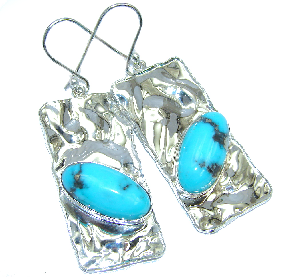 Perfect Design Turquoise hammered Sterling Silver earrings