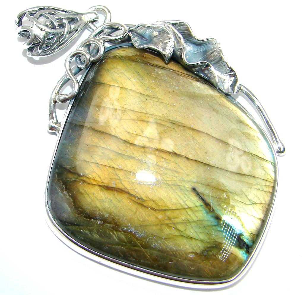 Traditional Design Labradorite Sterling Silver handmade Pendant