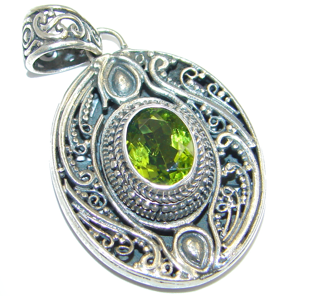 Precious Natural Peridot Sterling Silver handcrafted Pendant