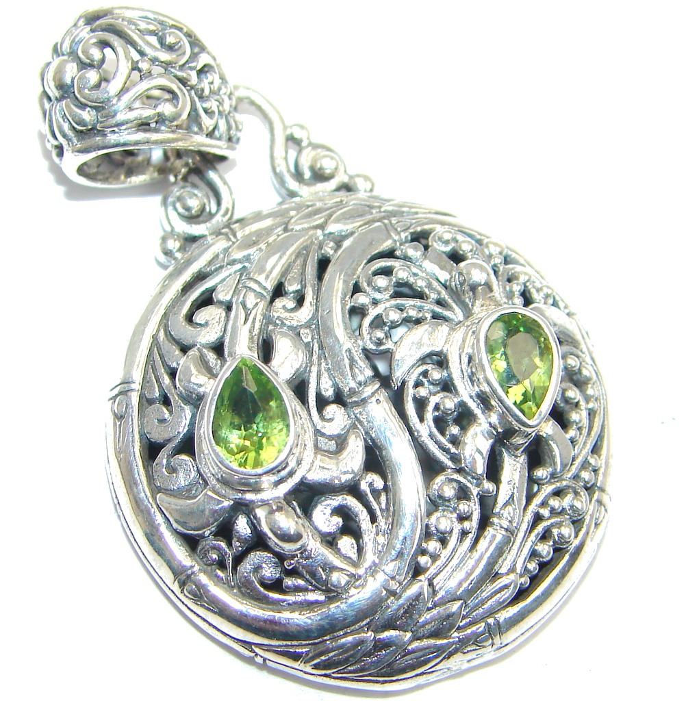 Simple Beauty natural Peridot Sterling Silver handcrafted Pendant