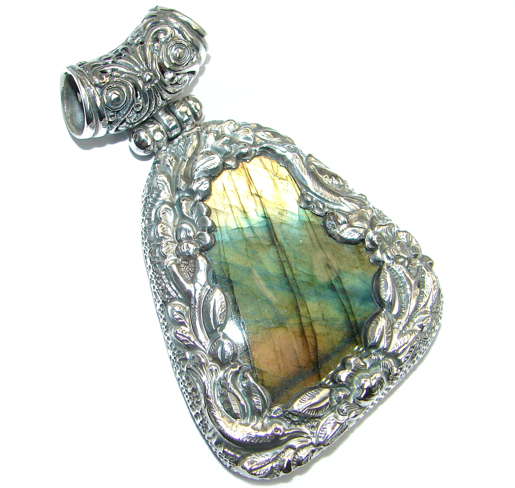 Fancy Design Labradorite Gold plated over Sterling Silver handmade Pendant
