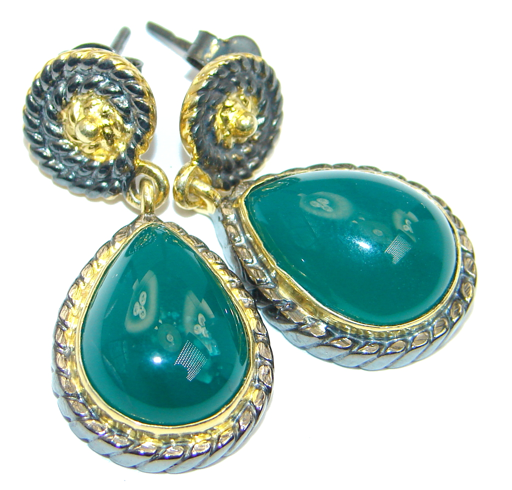 Sublime  Natural green Agate Gold Plated Sterling Silver handmade stud  earr..