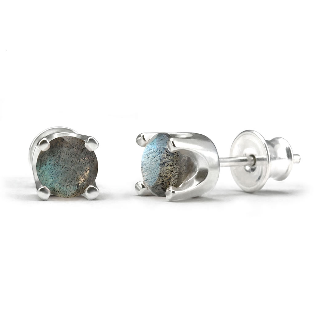 Elegant studs in sterling silver with a labradorite