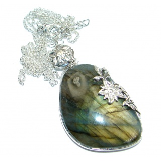 Classy Fire Labradorite handmade .925 Sterling Silver entirely handcrafted necklace