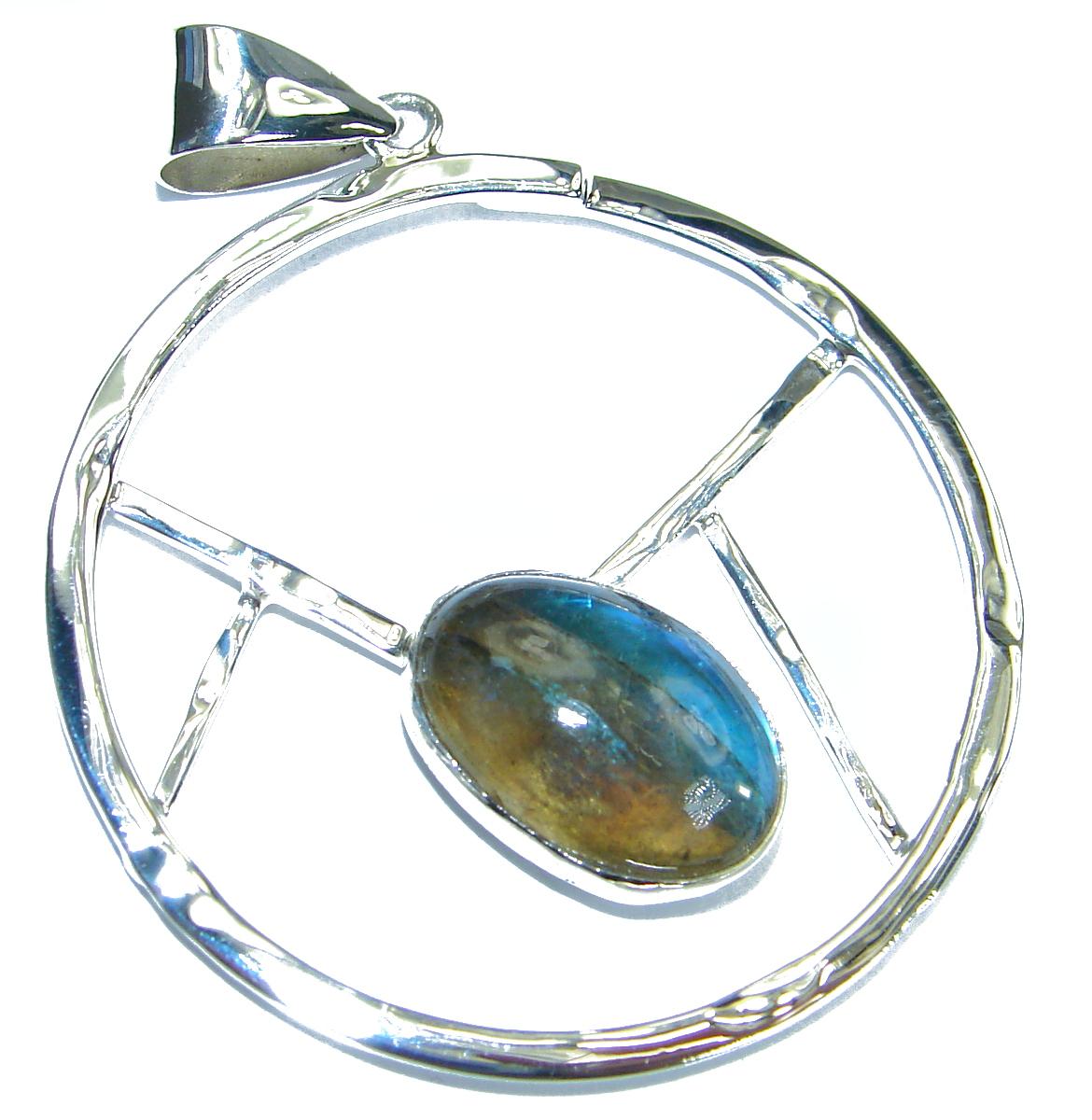 Moderen Design Labradorite Hammered .925 Sterling Silver Pendant