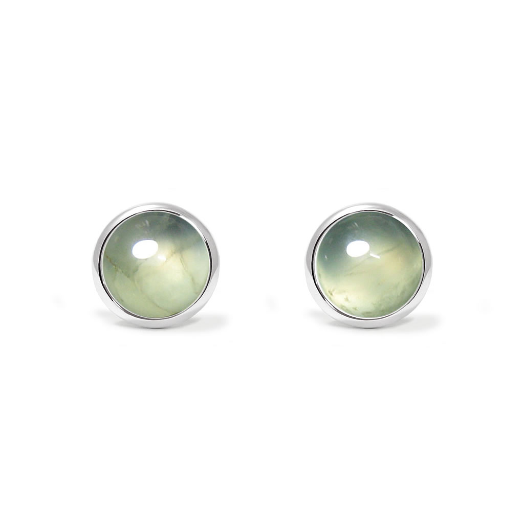Charming studs earrings in sterling silver with