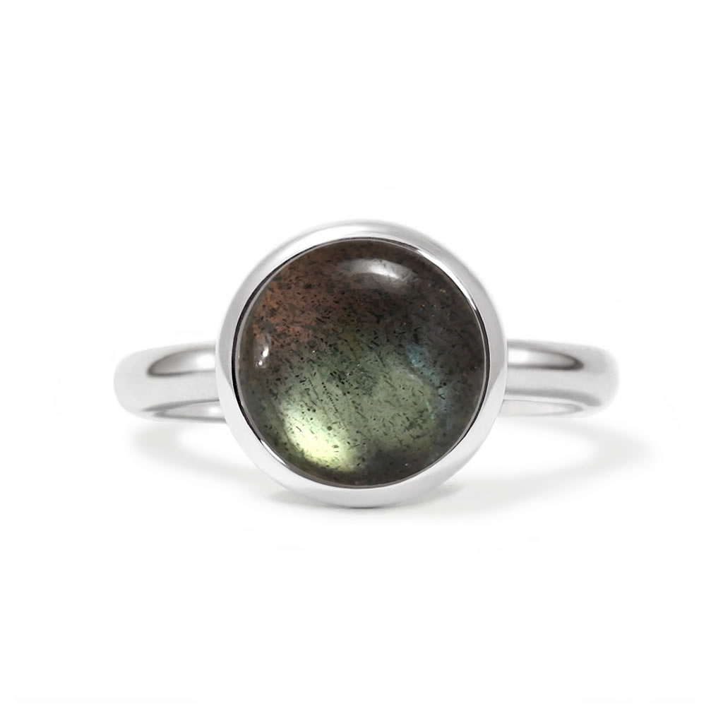 Charming ring in sterling silver with a labradorite