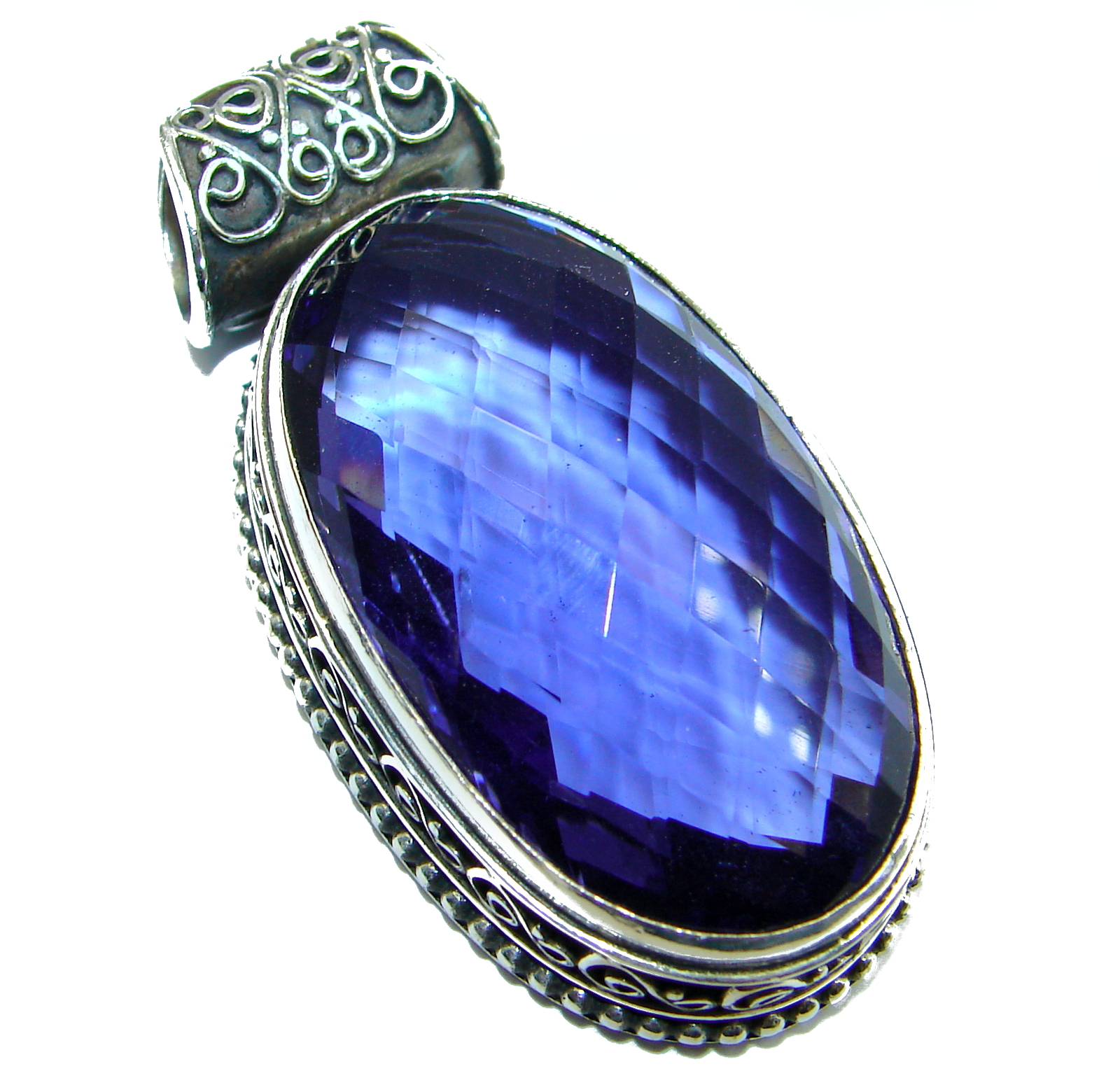 Vintage Design Amazing Sapphire color Quartz .925 Sterling Silver Pendant