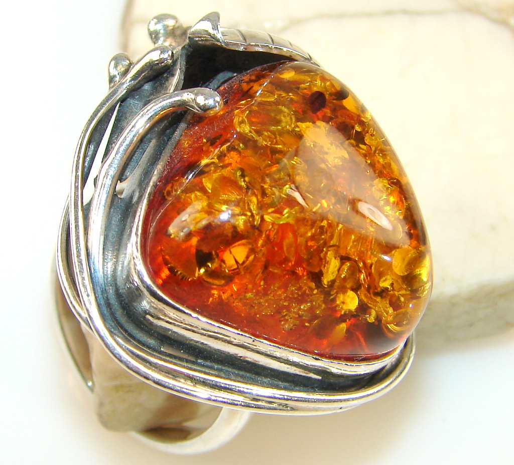 Beautiful Golden Amber Sterling Silver Ring s. 9