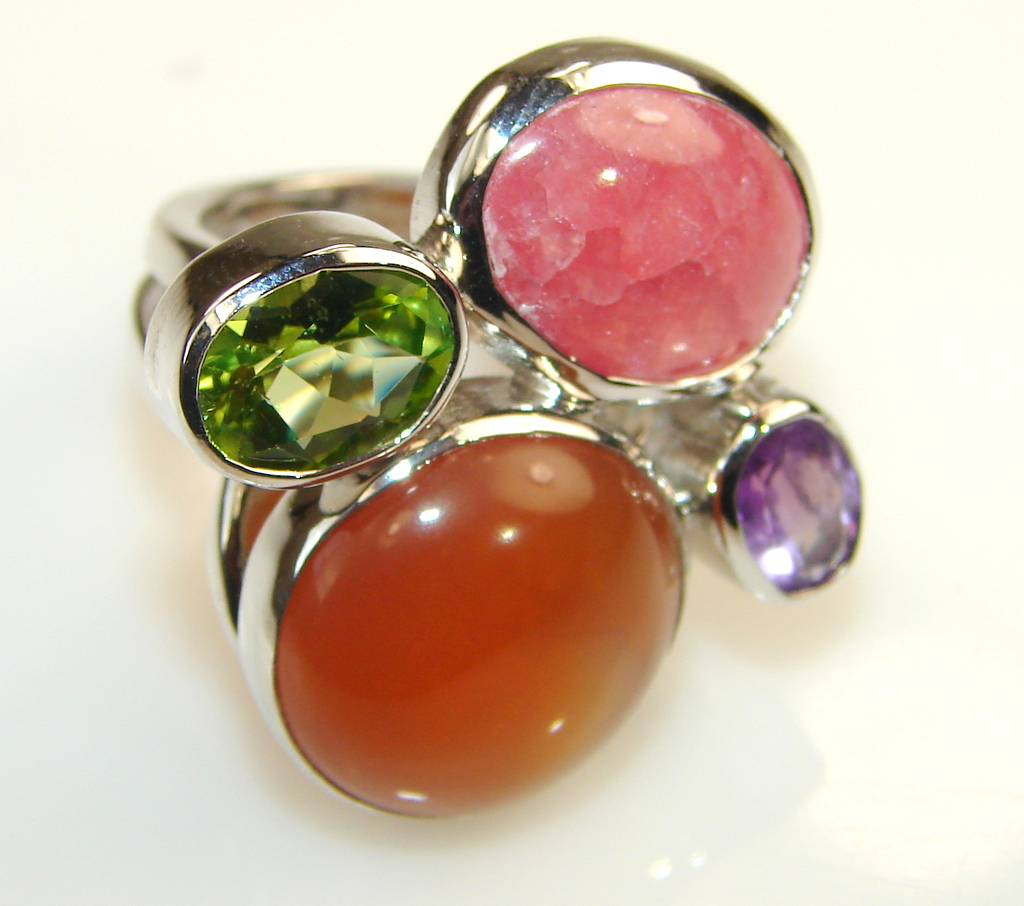 Beautiful Solid Red Carnelian Sterling Silver Ring s. 6