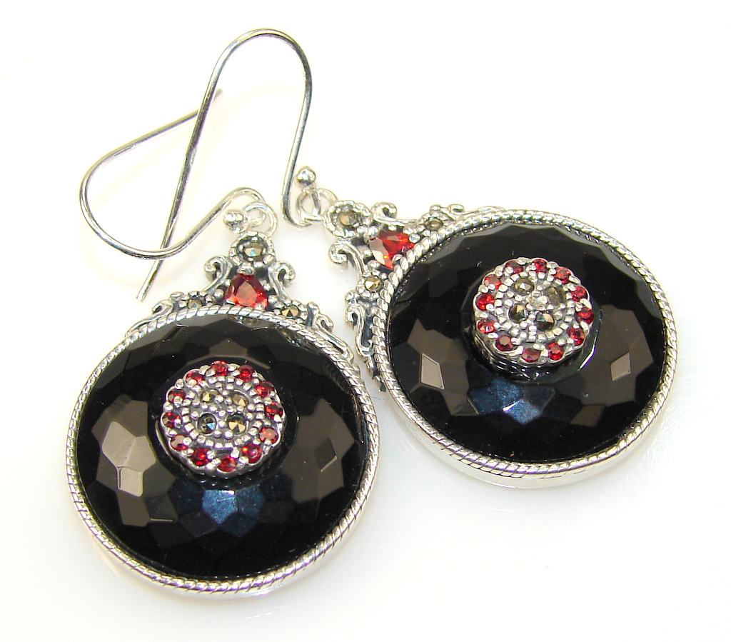Beautiful Sweet Black Onyx Silver earrings
