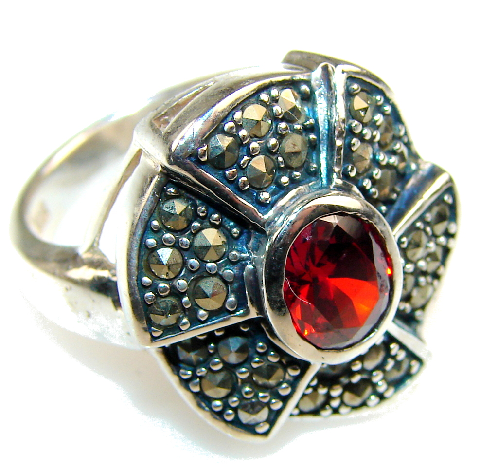Amazing Red Quartz Sterling Silver Ring s. 8