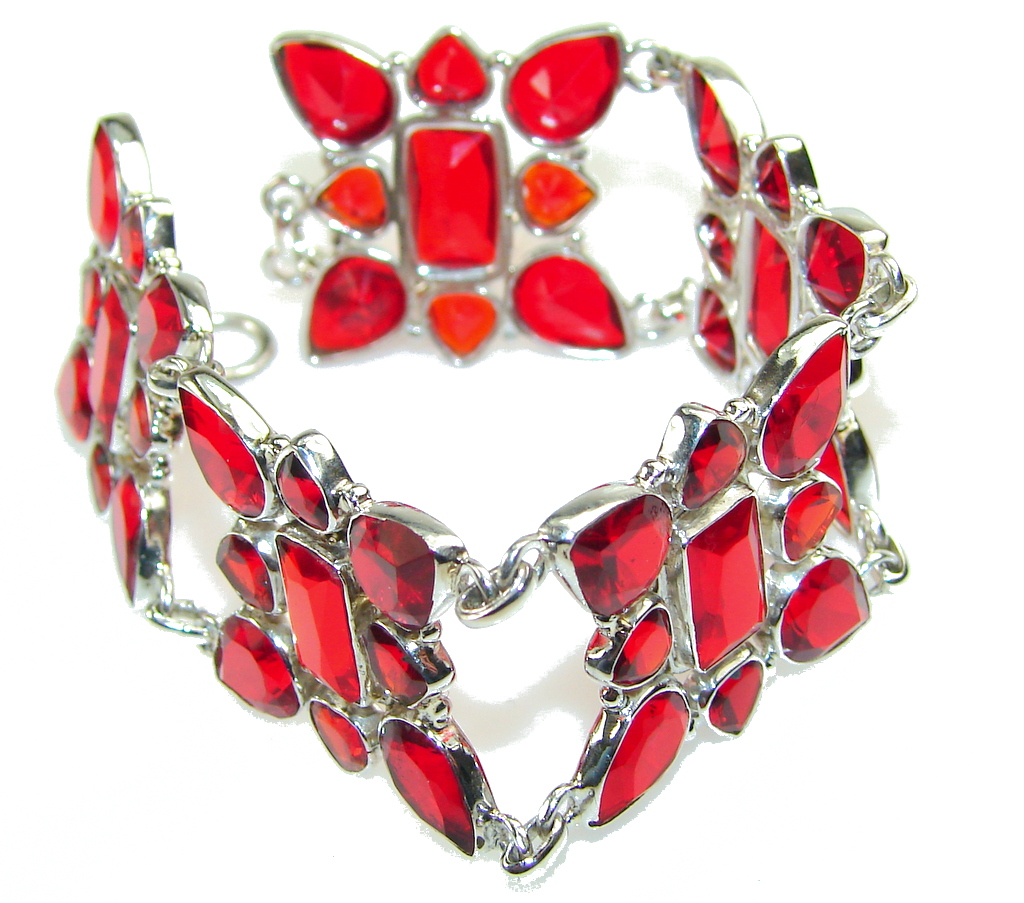Lovely Design!! Red Quartz Sterling Silver Bracelet