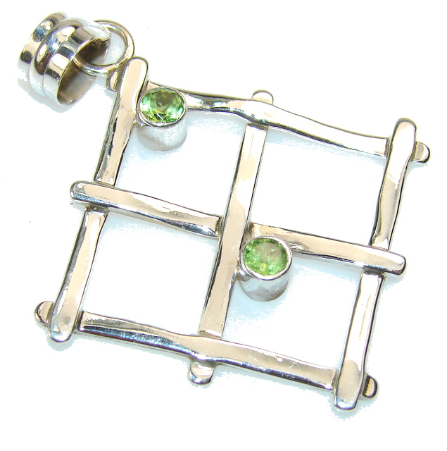 Excellent Peridot Sterling Silver Pendant