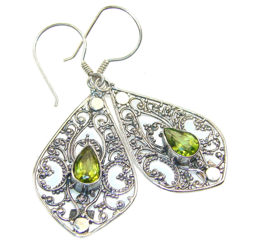 Superlative peridot gemstone earrings for