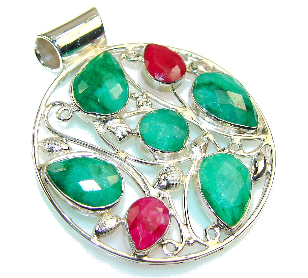 Spring Daisy!! Green Emerald Sterling Silver Pendant