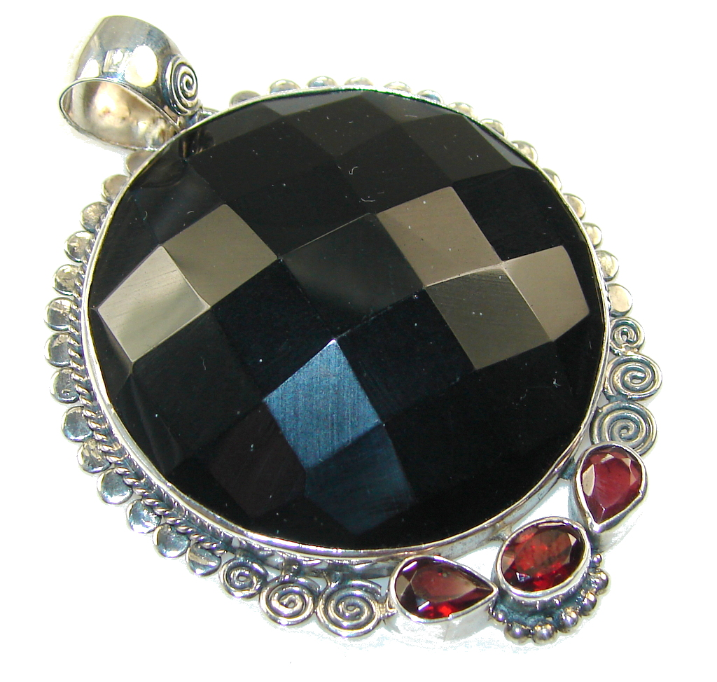 Excellent Black Onyx Sterling Silver Pendant