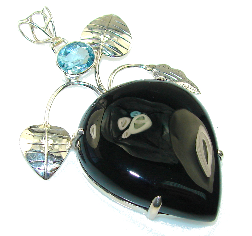Beautiful Design Of Black Onyx Sterling Silver Pendant