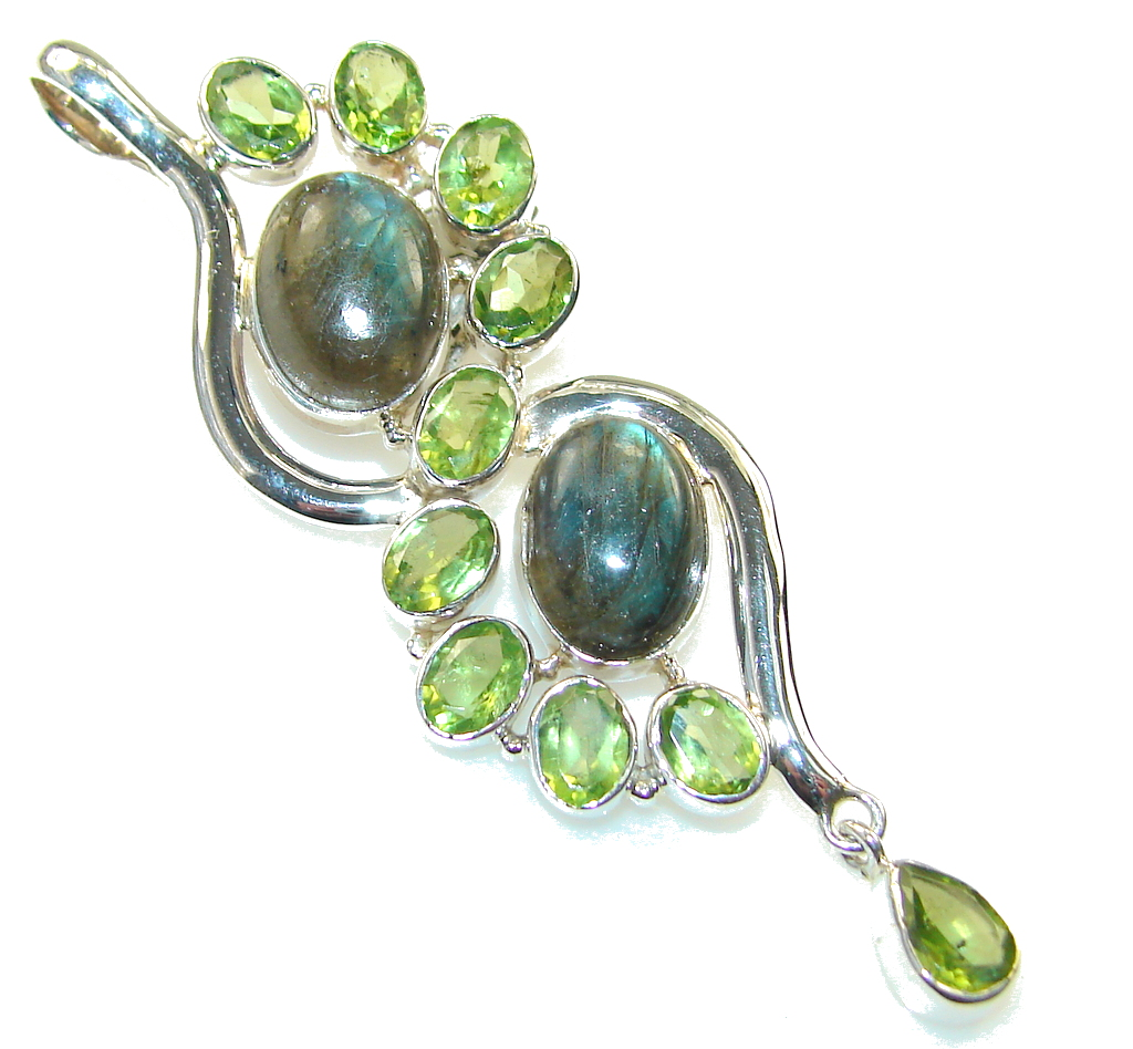 New Style Of Labradorite Sterling Silver Pendant