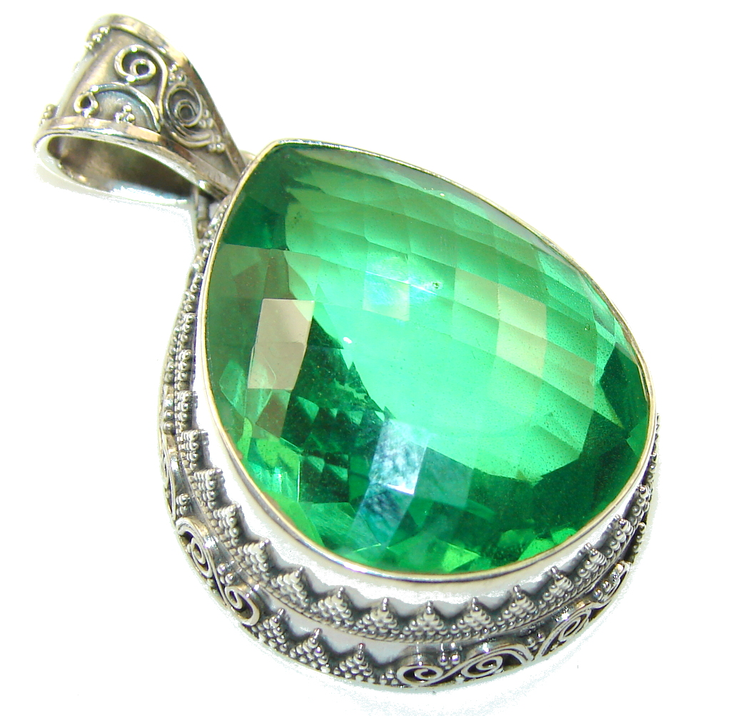 Amazing Created Chrome Diopside Quartz Stering Silver Pendant