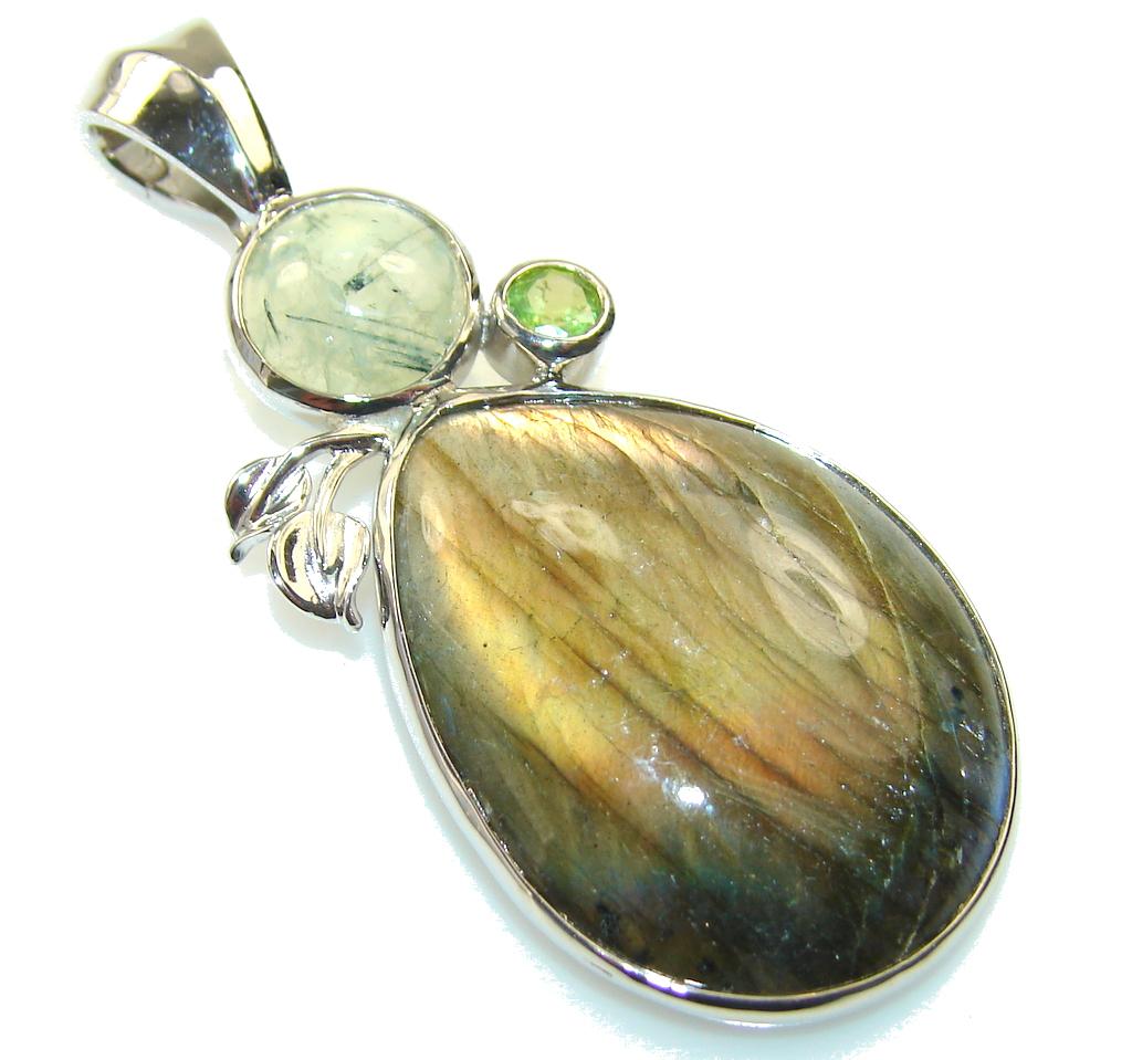 Fabulous Design!! Labradorite Sterling Silver Pendant