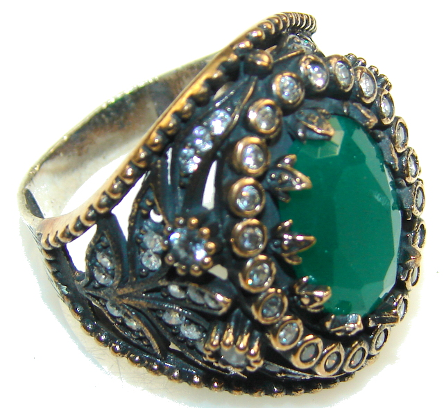 Stylish DEsign!! Green Emerald Sterling Silver ring s. 11