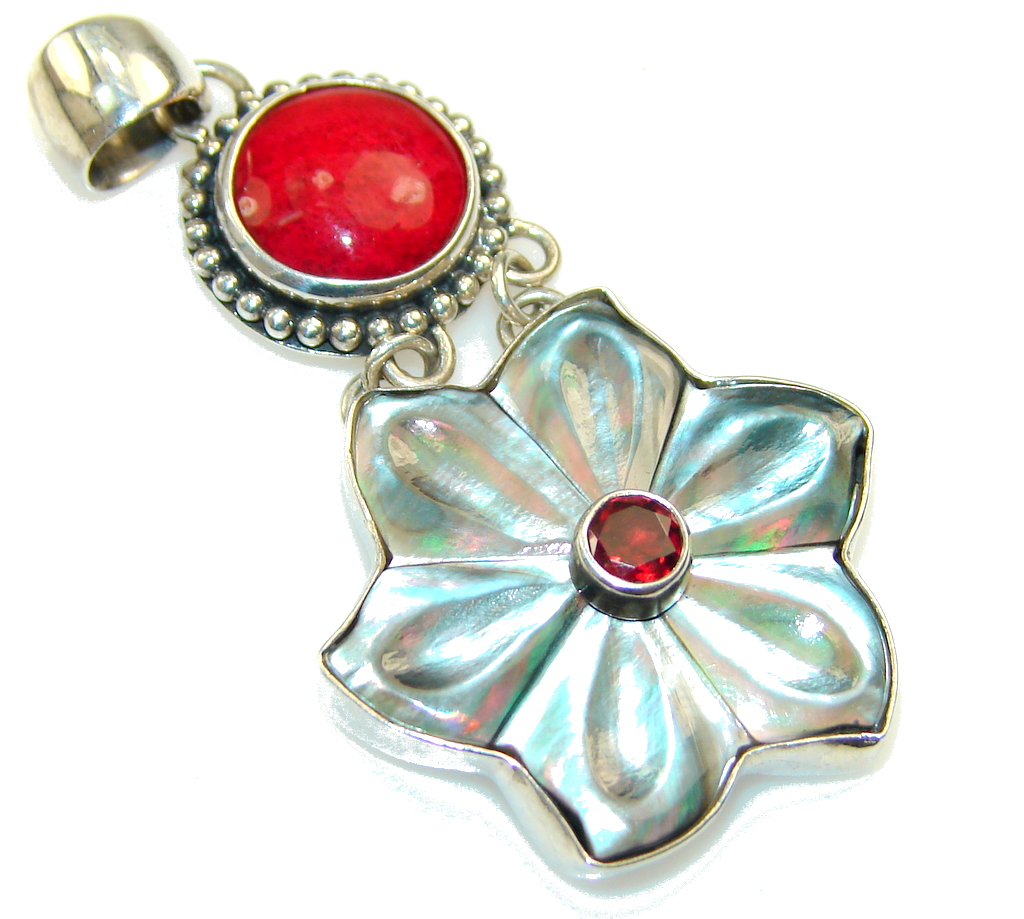 Precious Design!! Mother Of Pearl Sterling Silver Pendant