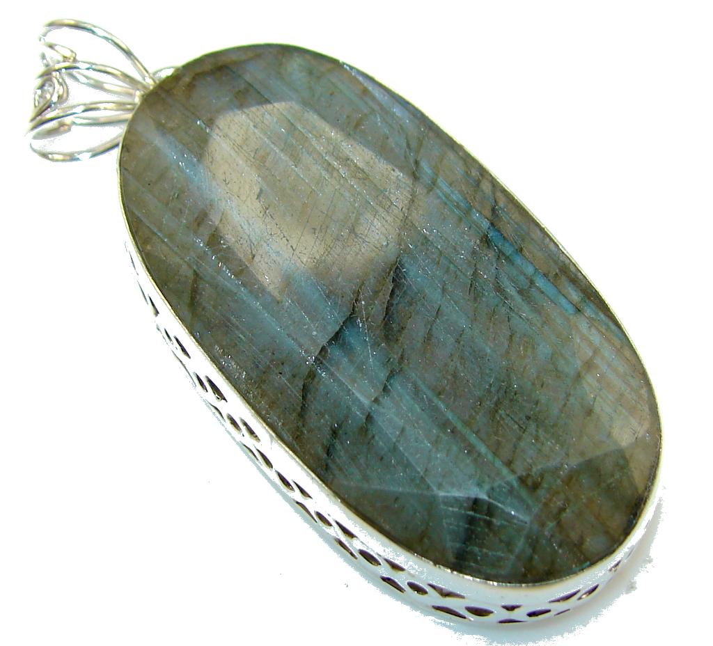 Vision Green Labradorite Sterling Silver Pendant