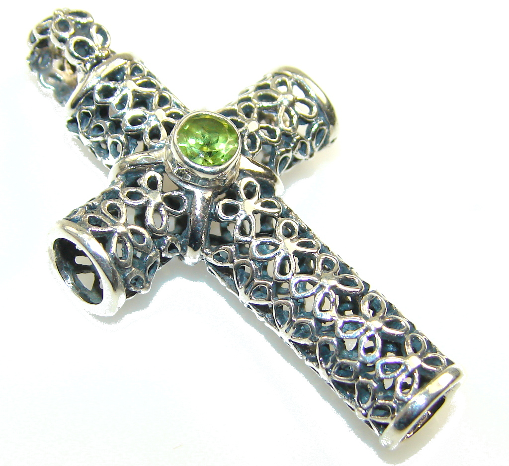 Fresh Garden!! Peridot Sterling Silver Pendant / cross