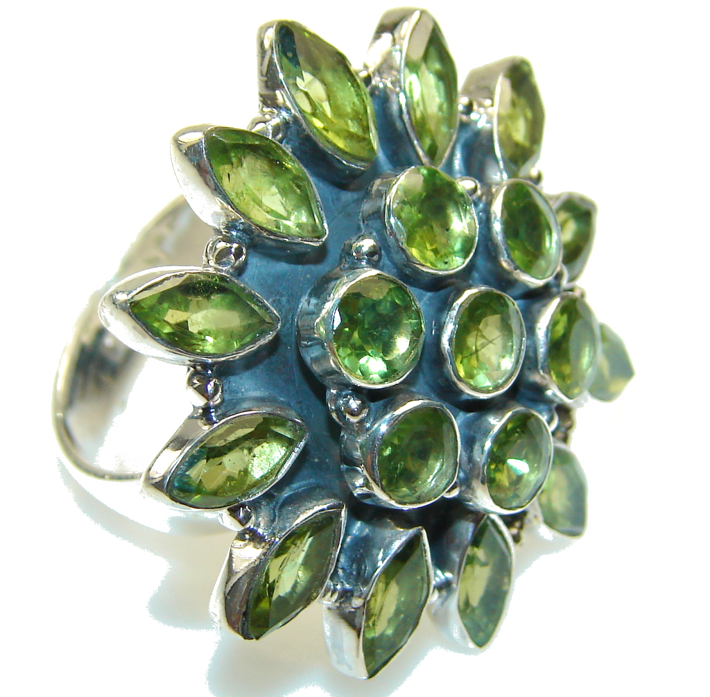 Green Island!! Green Peridot Sterling Silver Ring s. 10