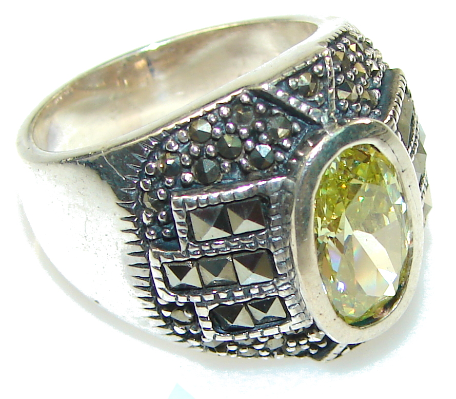 marcassite.com view the photo of  New! Faceted Green Peridot Quartz Sterling Silver Ring s. 7