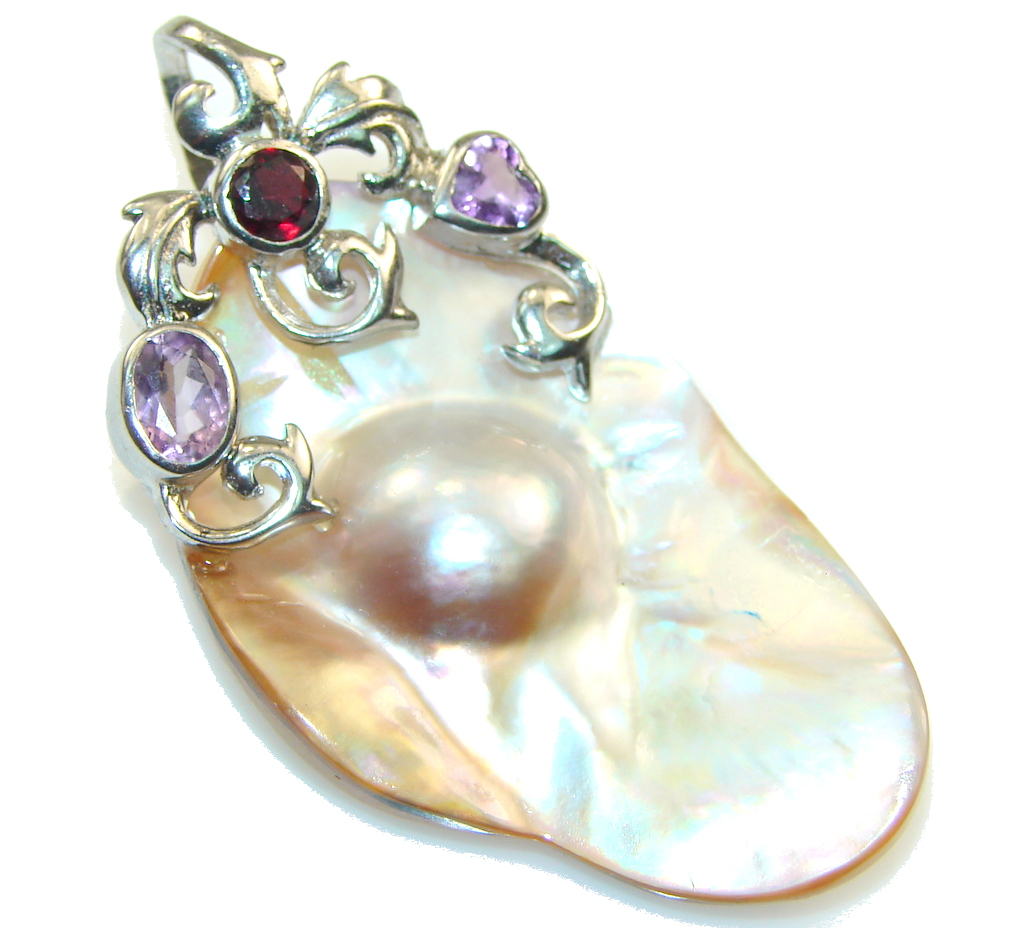 Stylish Mother Of Pearl Sterling Silver Pendant