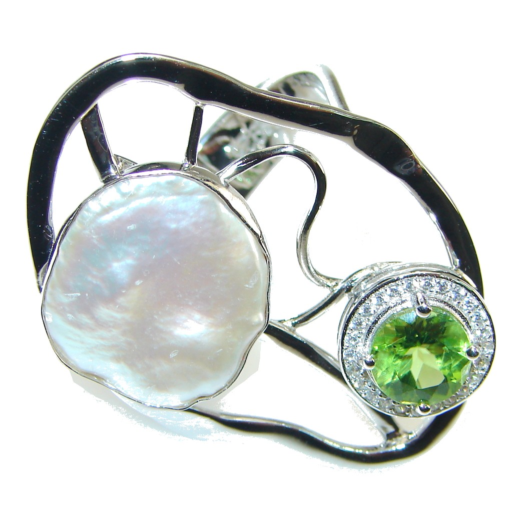 Big! Beautiful Mother Of Pearl Streling Silver Ring s. 7 - Adjustable
