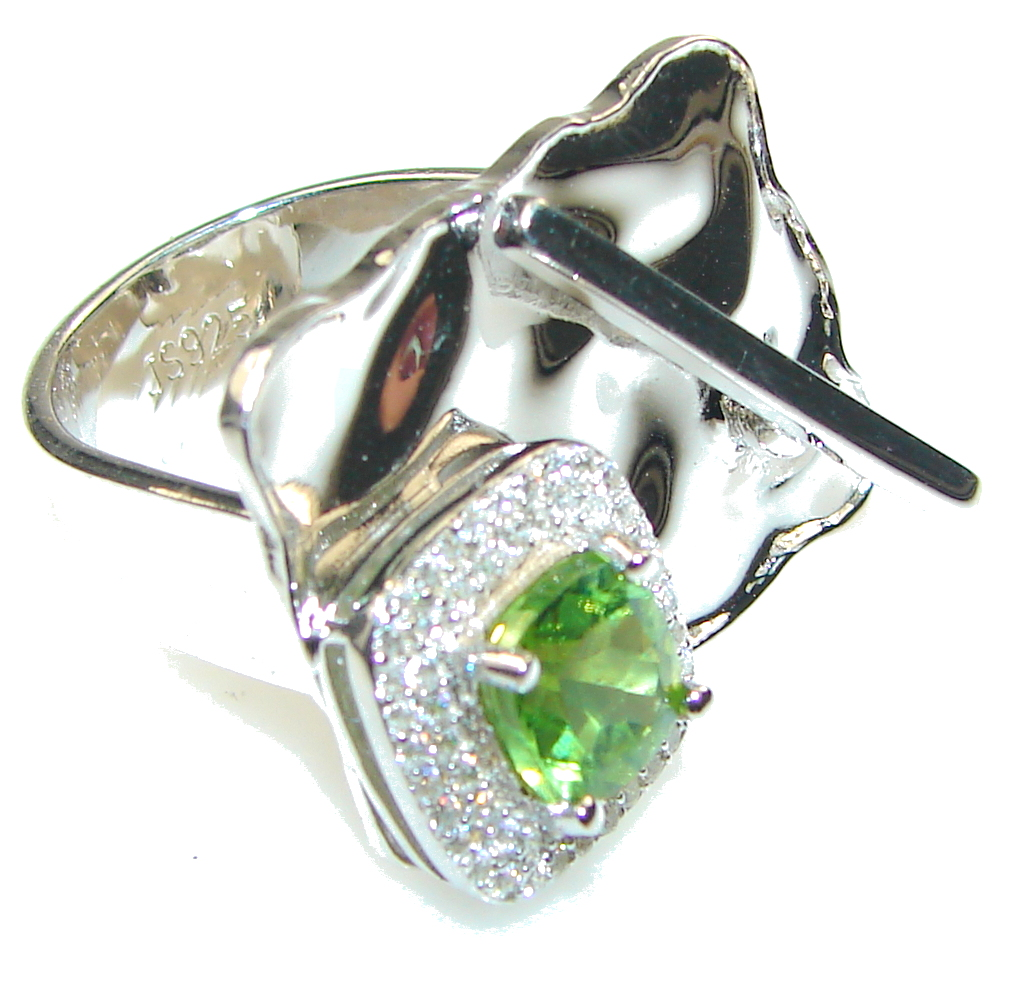 So In Love!! Green Peridot Quartz Sterling Silver Ring s. 7 - Adjustable