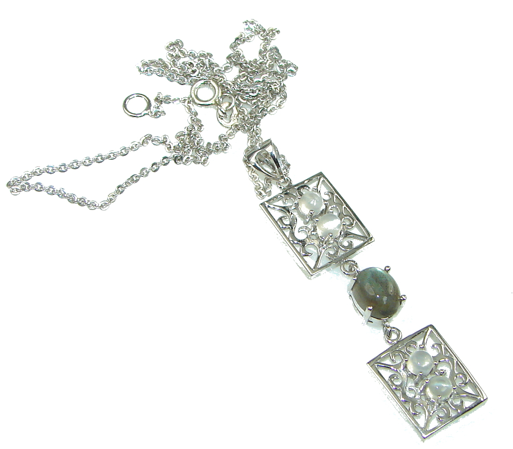 Delicate Design! Labradorite Sterling Silver necklace