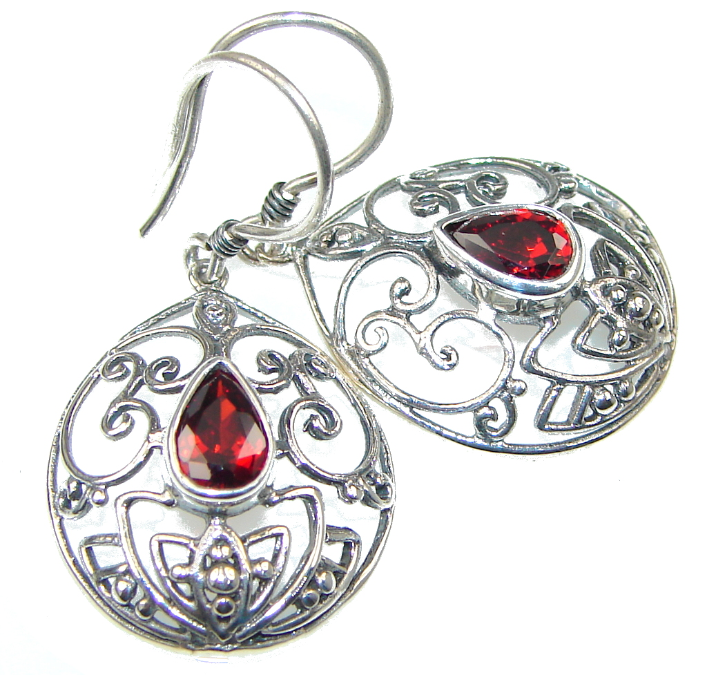 Amazing! Red Garnet Sterling Silver earrings