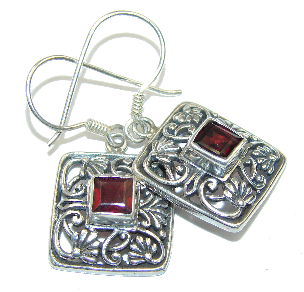 Bali Style! Red Garnet Sterling Silver earrings