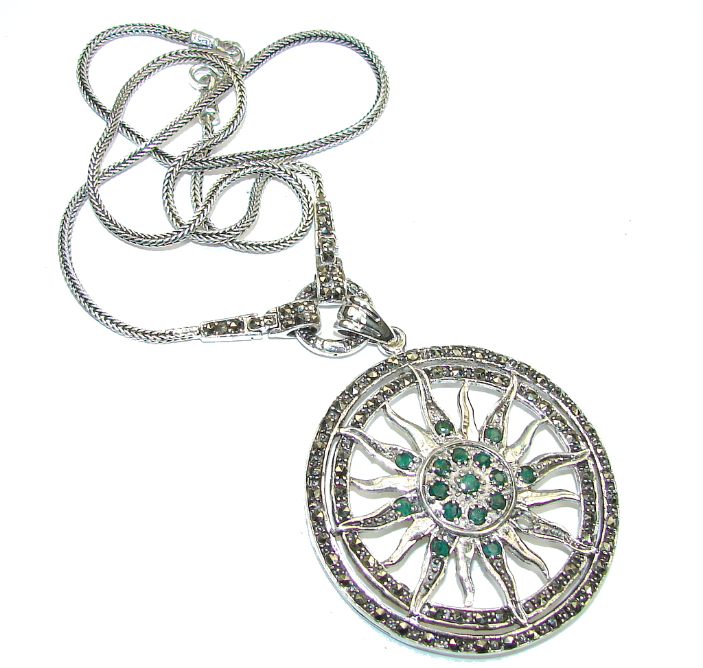 Natural Beauty! Marcasite & Emerald Sterling Silver necklace